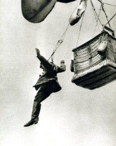 Saltando de un globo