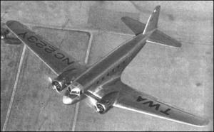 douglas_dc-1_en_vuelo