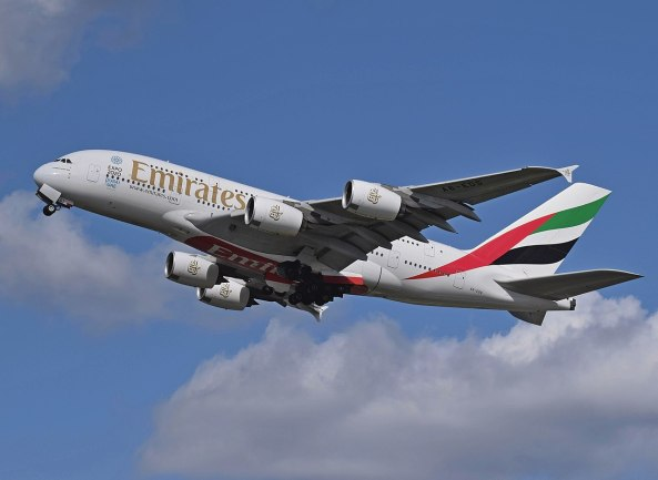 1280px-Emirates_Airbus_A380_(A6-EDS)_departs_London_Heathrow_11April2015